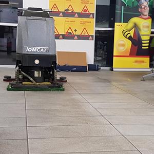 Conquest Tomcat Sport Edge Floor Scrubber